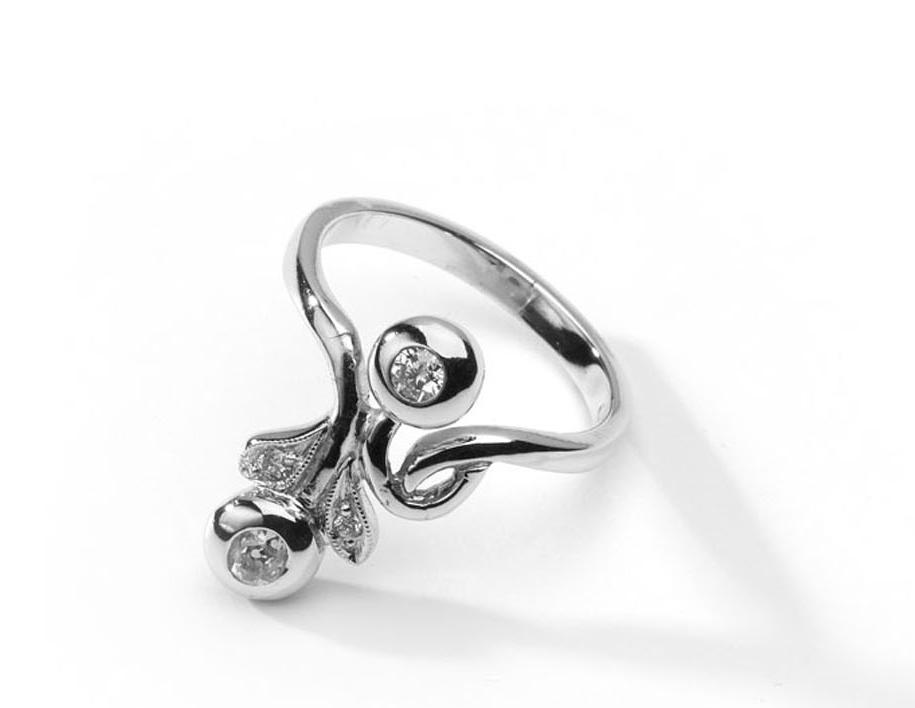 14 karátos fehérarany gyűrű, Zalaegerszeg